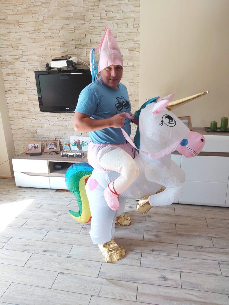 Nadmuchiwany Kostium Unicorna nr 1 - 40 zł